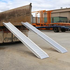 Heeve 1.8-Tonne 3.2m x 380mm Aluminium Loading Ramps on back of truck